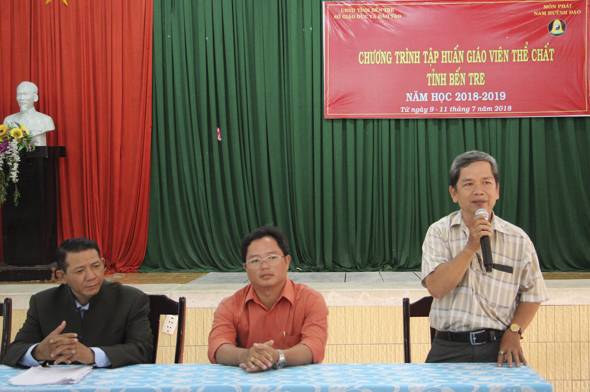 Chuong-trinh-pho-cap-vo-dan-toc-nam-huynh-dao-tai-ben-tre 03